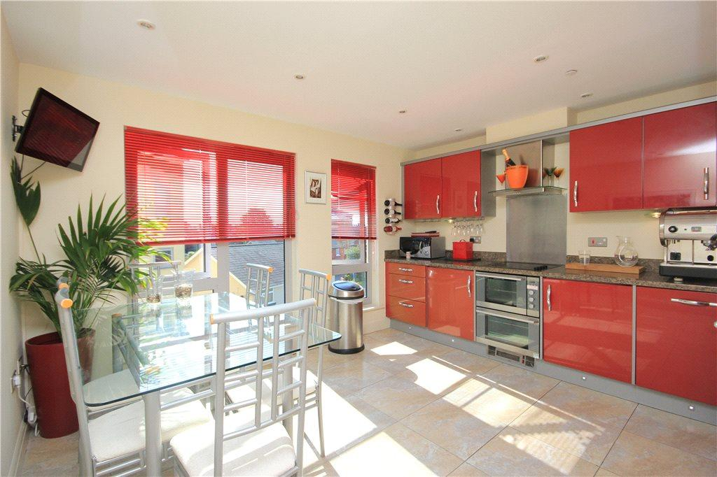 2 Bedrooms Maisonette Flat for sale in The Embankment, Gaol Street, Hereford, HR1