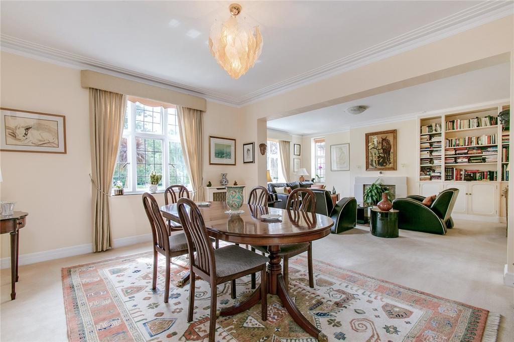 4 Bedrooms Flat for sale in Wildcroft Manor, Putney, London