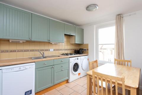 4 bedroom apartment to rent - SILVERTHORNE ROAD, SW8