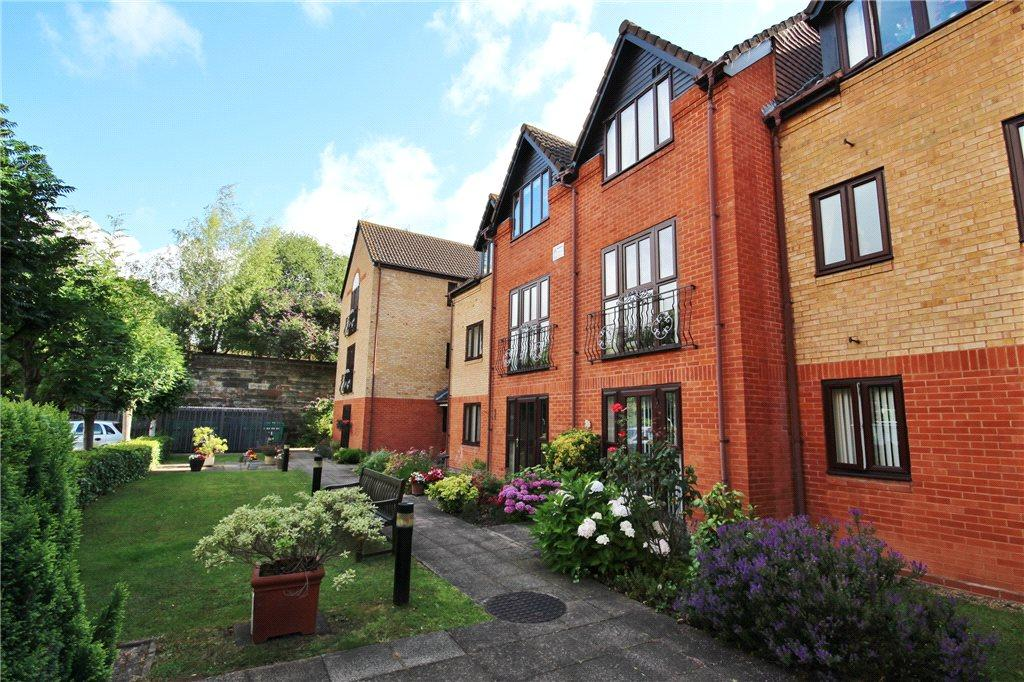 1 Bedroom Apartment Flat for sale in Kingfisher Court, Woodfield Road, Droitwich, Worcestershire, WR9