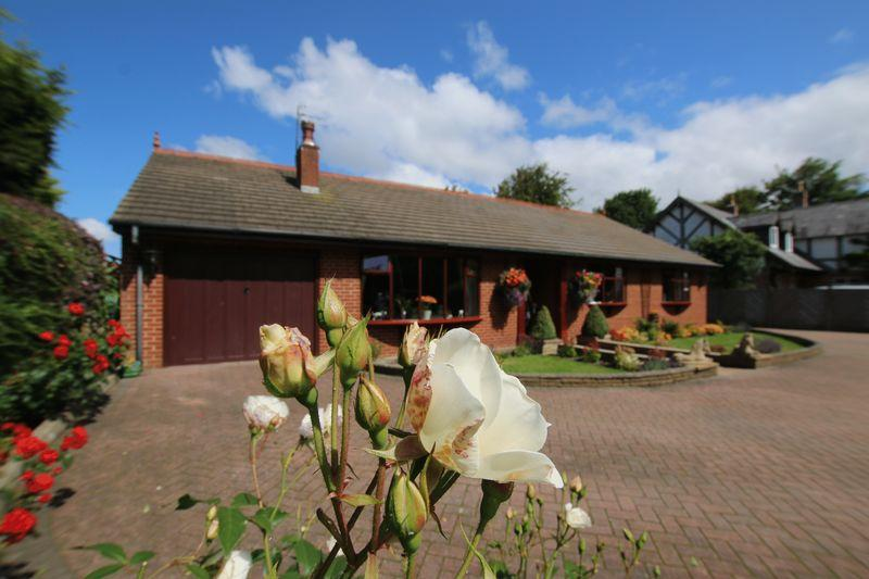 3 Bedrooms Detached Bungalow for sale in 'Woodlands' Bobbiners Lane, Banks