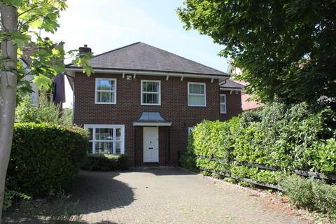 4 bedroom semi-detached house to rent - Elm Park Road, Pinner, Middx, HA5