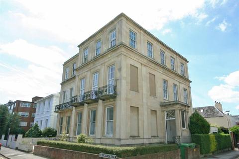 1 bedroom flat to rent - Carlton Street, Cheltenham