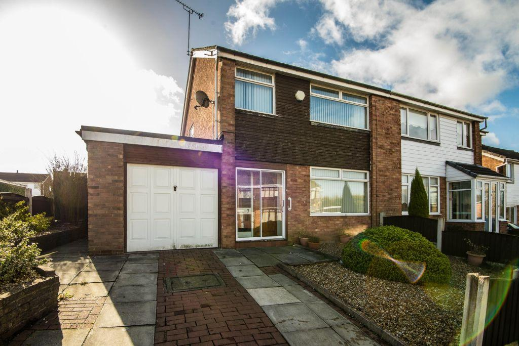 3 Bedrooms Semi Detached House for sale in Ambergate, off Spencers Lane