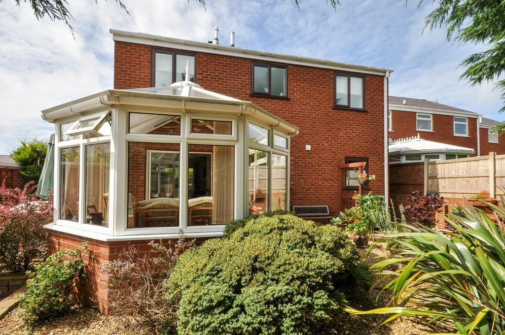 4 Bedrooms Detached House for sale in Glan Seiont, Caernarfon, North Wales