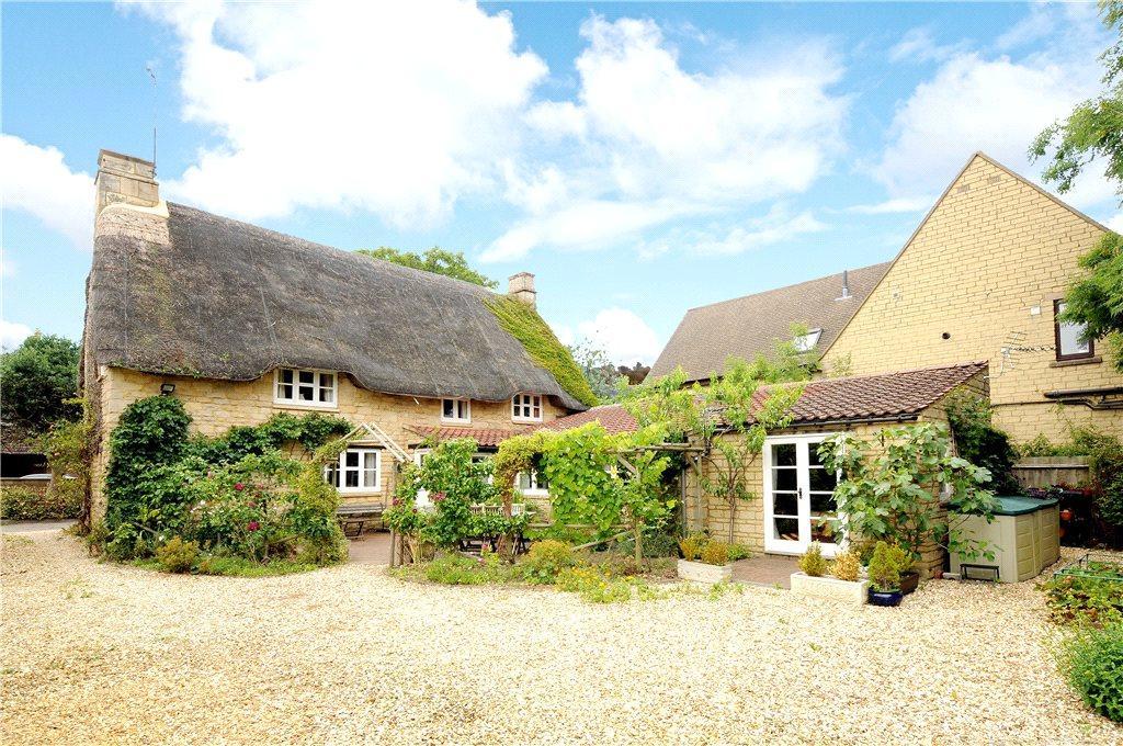 3 Bedrooms Unique Property for sale in Deene End, Weldon, Northamptonshire