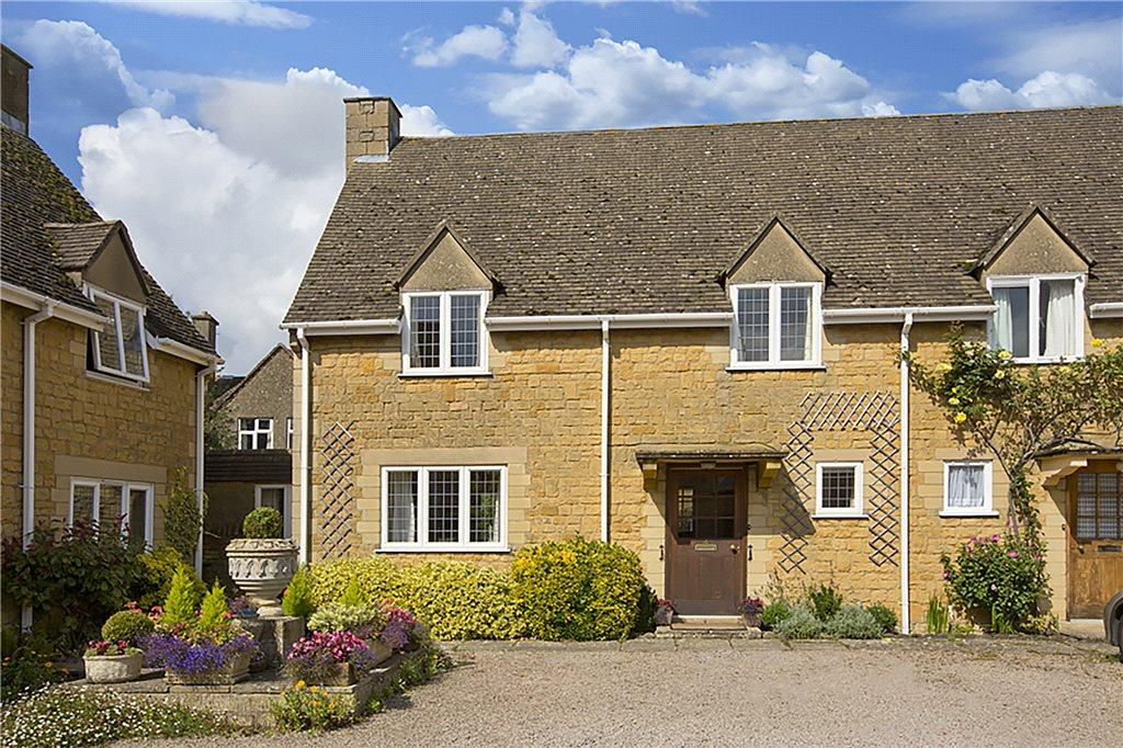 3 Bedrooms Semi Detached House for sale in Yew Tree Court, High Street, Broadway, Worcestershire, WR12