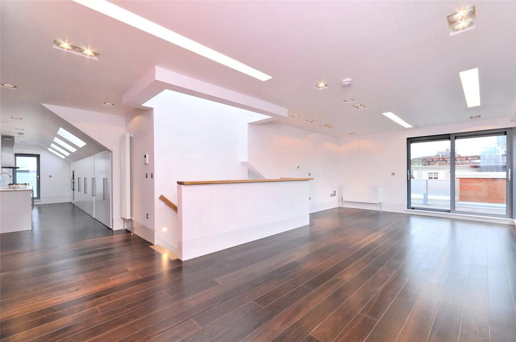 3 Bedrooms Apartment Flat for rent in Slingsby Place, St Martin's Courtyard, WC2E