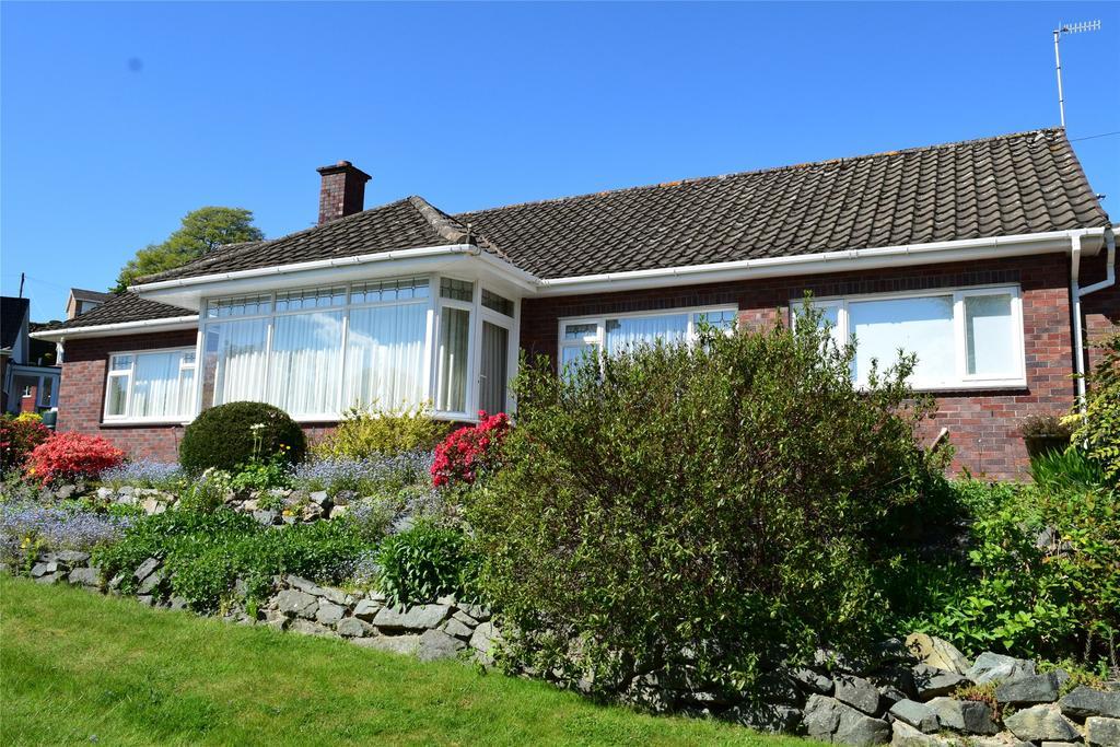 3 Bedrooms Detached Bungalow for sale in Trem Dyffryn, Red Bank, Welshpool, Powys
