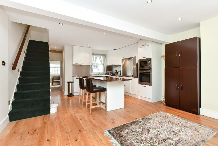3 Bedrooms House for sale in WESTMORELAND TERRACE, SW1V