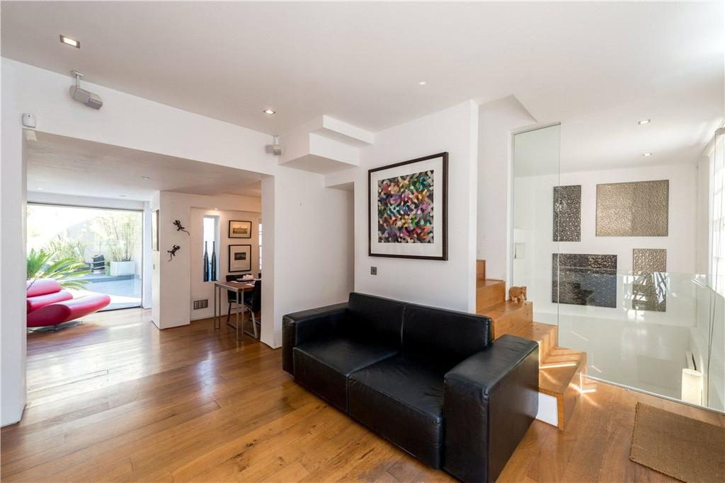 2 Bedrooms Terraced House for sale in Whittlesey Street, London, SE1