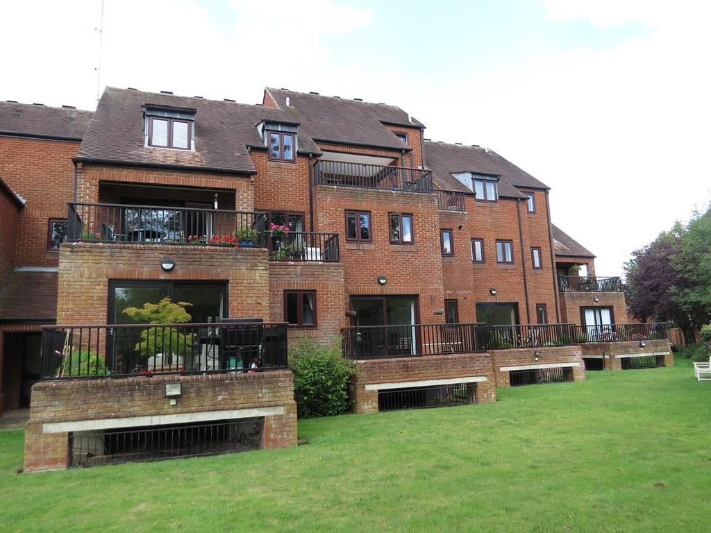 2 Bedrooms Apartment Flat for sale in Mill Road, Marlow