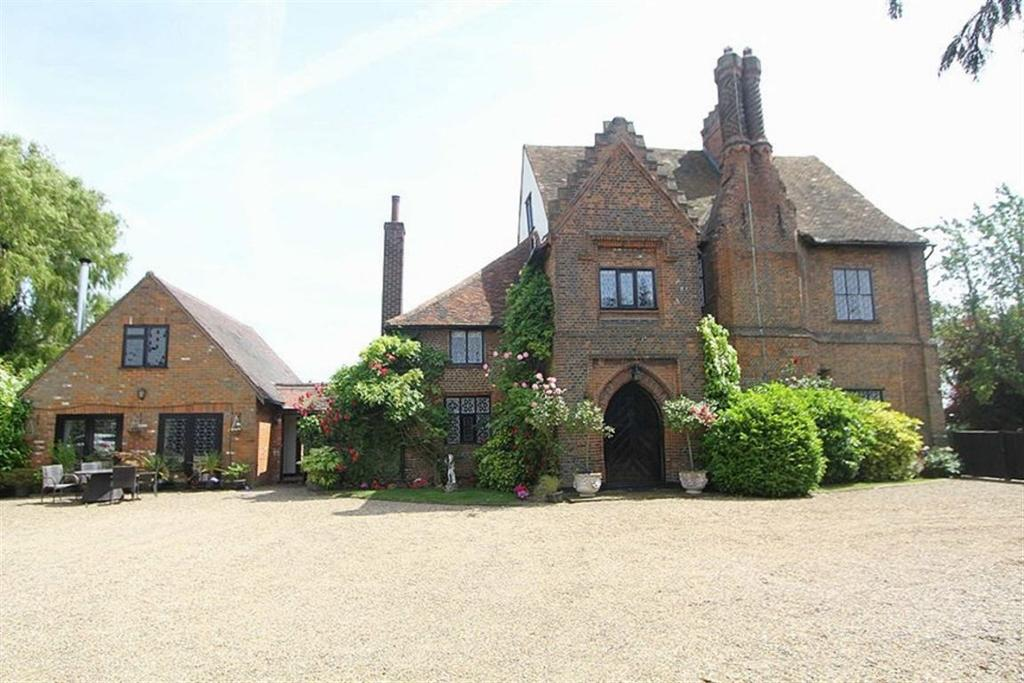 5 Bedrooms Detached House for sale in Little Warley Lane, Brentwood, Essex, CM13 3EN