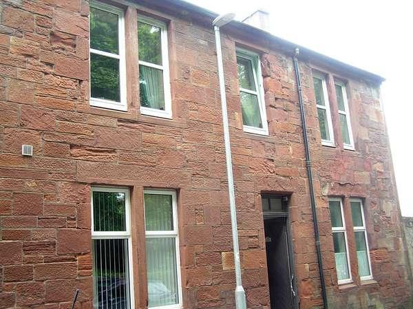 3 Bedrooms Maisonette Flat for sale in 32 (top attic), Howard Street, Millport, KA28 0AY