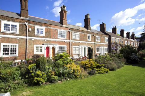 2 bedroom terraced house to rent - Rosemary Cottages, Rosemary Gardens, London