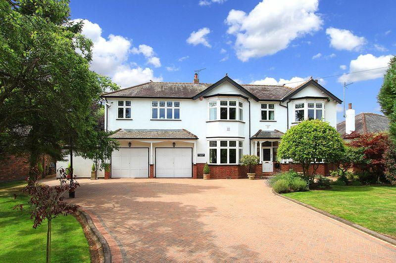 4 Bedrooms Detached House for sale in WOMBOURNE, Stourbridge Road