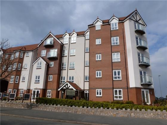 2 Bedrooms Flat for sale in 48 Adlington House, Rhos on Sea, LL28 4PU