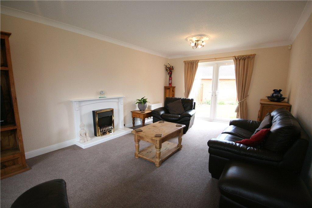 4 Bedrooms Detached House for sale in Coltsfoot Drive, Waltham, DN37