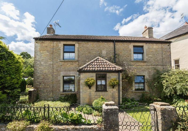 4 Bedrooms Detached House for sale in Trudoxhill, Frome