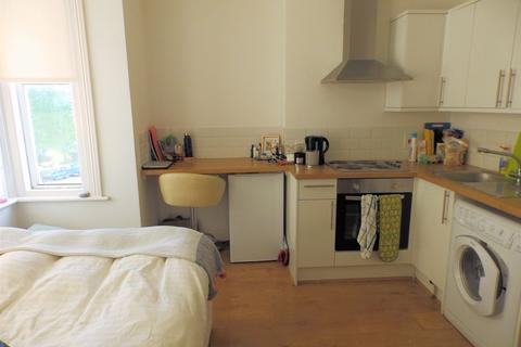Studio to rent - Stanford Avenue, Brighton, East Sussex, BN1