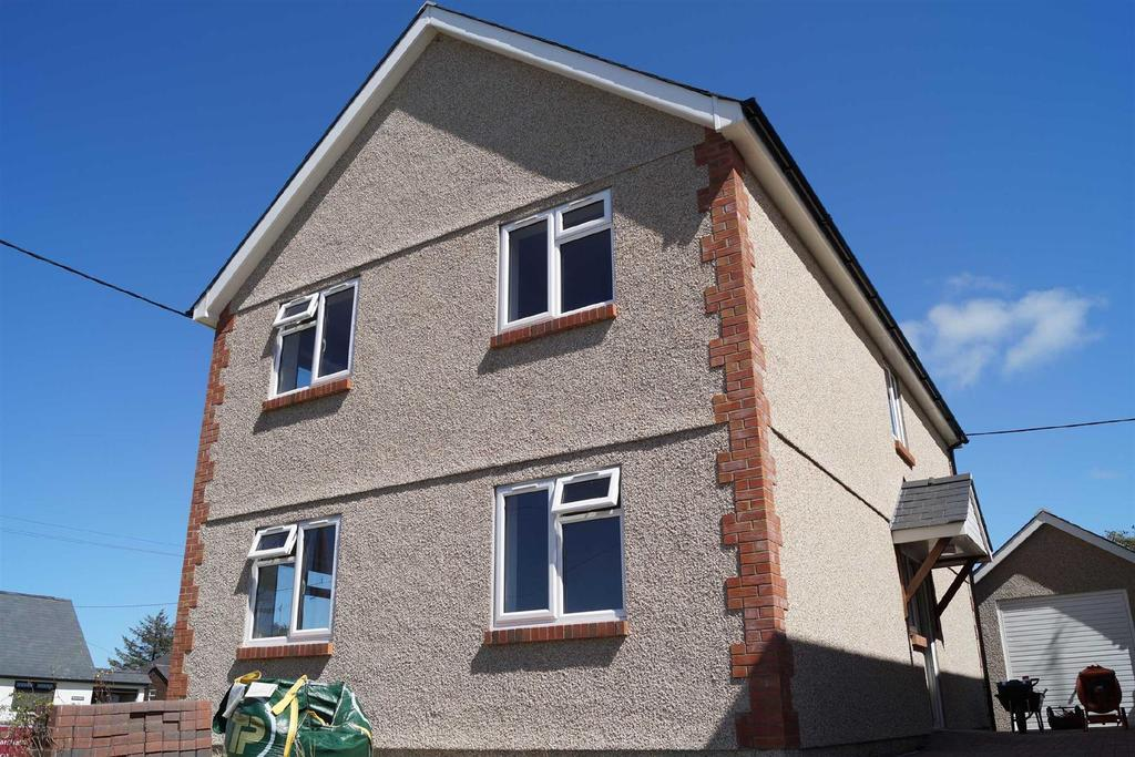 3 Bedrooms Detached House for sale in Maes Twnti, Morfa Nefyn