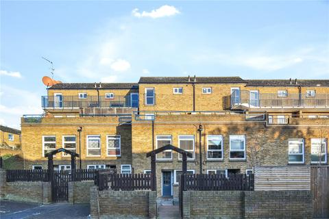 3 bedroom flat to rent - Broke Walk, London, E8