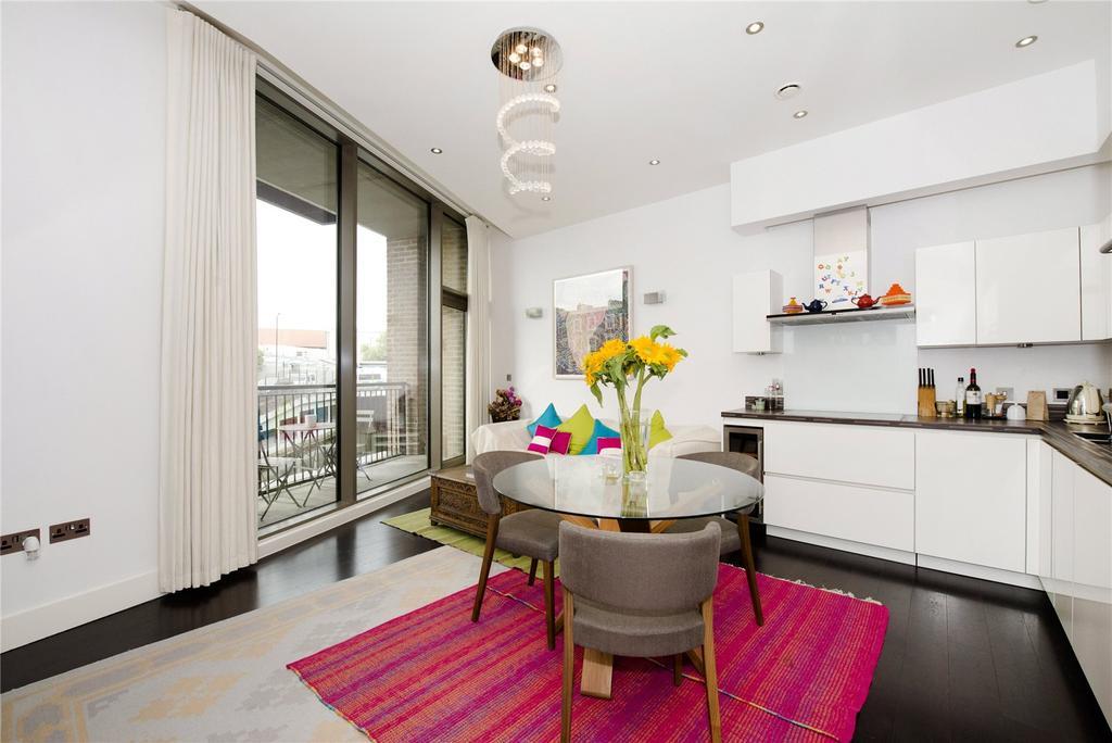 3 Bedrooms Flat for sale in Regent Canalside, Camden Road, Camden, London