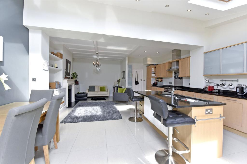 4 Bedrooms Terraced House for sale in Alfriston Road, London, SW11