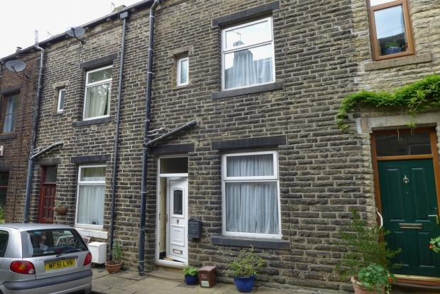 3 Bedrooms Terraced House for sale in PELLON STREET TODMORDEN