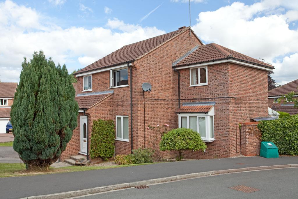 4 Bedrooms Detached House for sale in Sherbrooke Close, Kirkbymoorside, York YO62