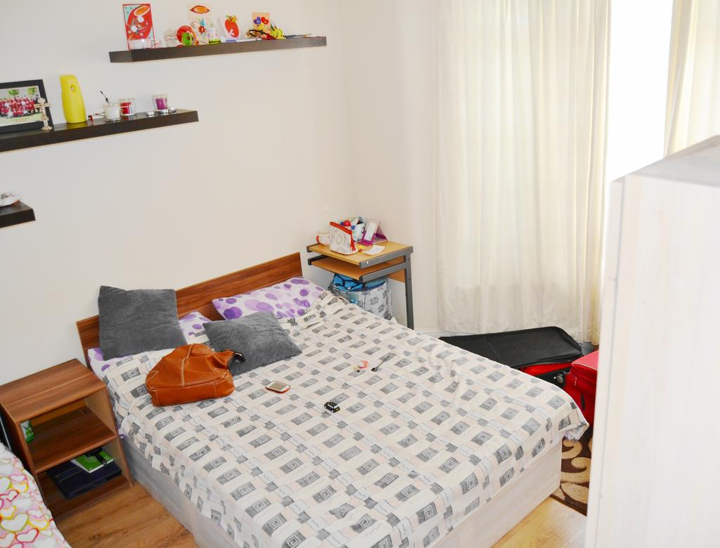3 Bedrooms Terraced House for sale in Ruskin Avenue, Manor Park, London E12