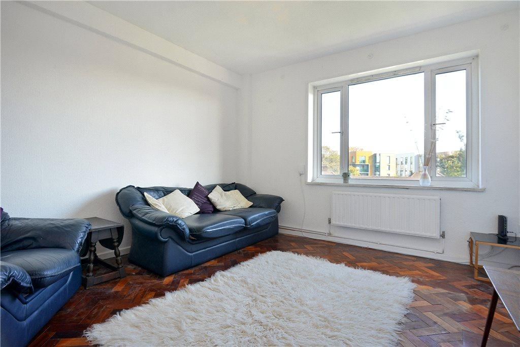 3 Bedrooms Flat for sale in Denmark Hill Estate, Camberwell, London, SE5