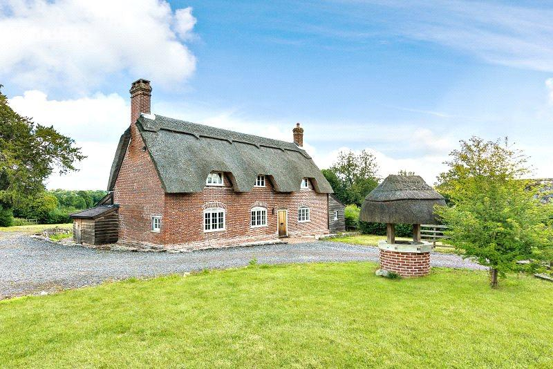 4 Bedrooms Detached House for sale in Hamptworth, Salisbury