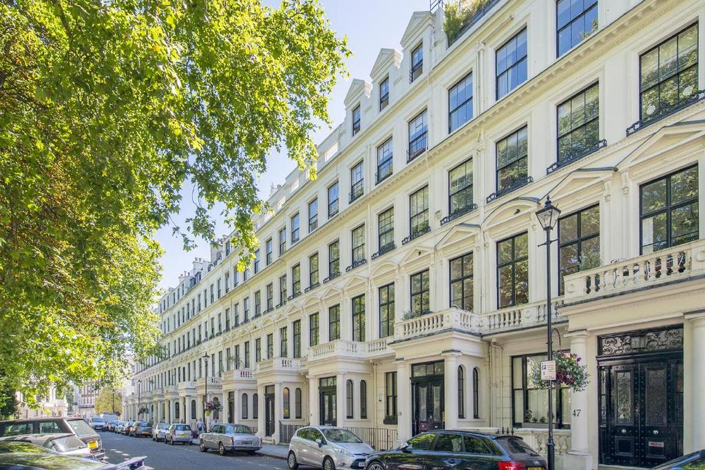 Studio Flat for sale in Cleveland Square, Bayswater