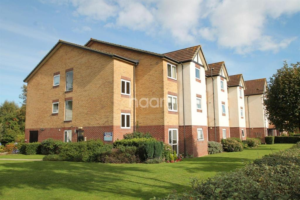 1 Bedroom Flat for sale in Nevyll Court, Thorpe Bay