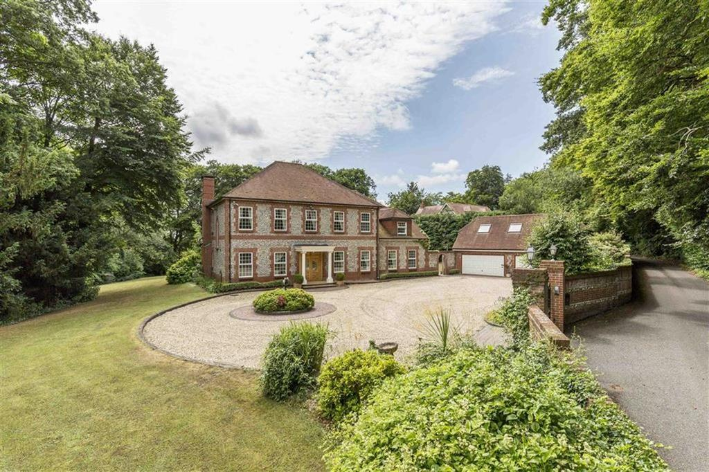 5 Bedrooms Detached House for sale in Letton Park, Blandford Forum, Dorset