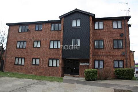 2 bedroom apartment to rent - Hadrians court