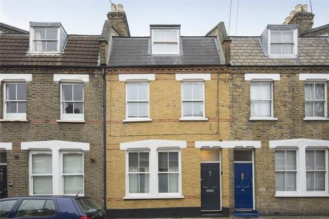 2 bedroom flat - Senrab Street, Stepney, London, E1
