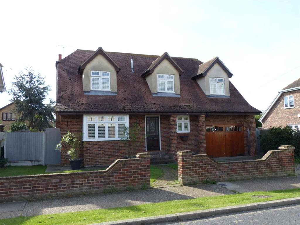 5 Bedrooms Chalet House for sale in Grafton Road, Canvey Island