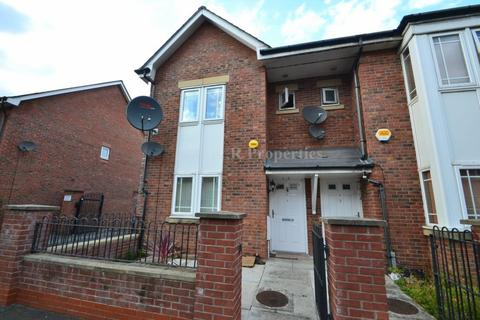 3 bedroom semi-detached house to rent - Bankwell Street, Hulme, Manchester, M15 5LN