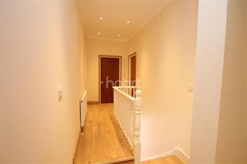 5 bedroom detached house to rent - Dyson Road, E11