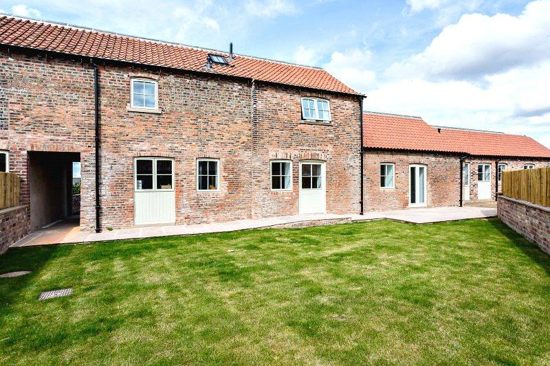 4 Bedrooms House for sale in Thorpe Hall Farm, Dam Lane, Thorpe Willoughby, Selby, YO8
