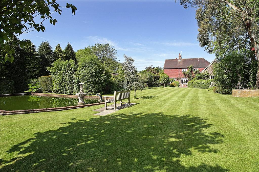 4 Bedrooms Equestrian Facility Character Property for sale in Tanyard Lane, Staplefield