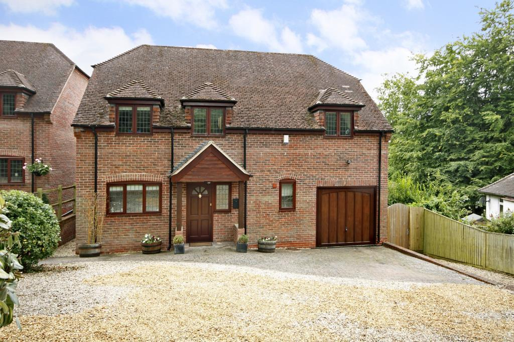 5 Bedrooms Detached House for sale in Collaroy Road, Cold Ash, Thatcham, Berkshire, RG18