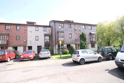 1 bedroom flat to rent - Coniston Close, London
