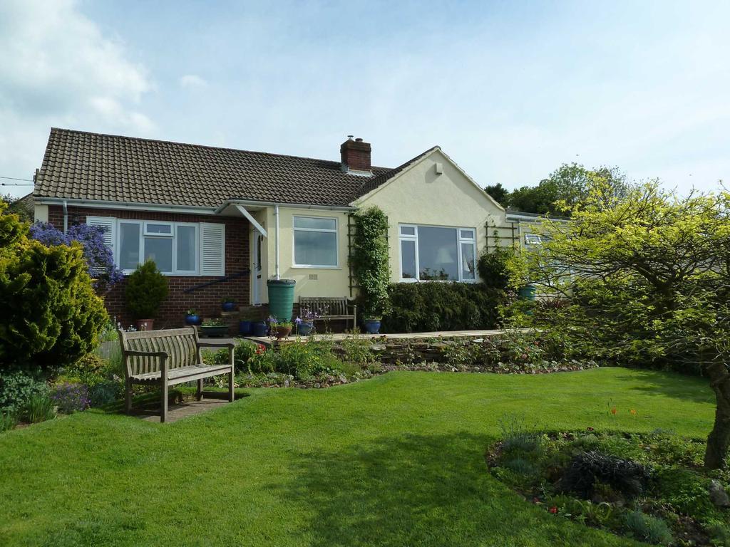 3 Bedrooms Detached Bungalow for sale in Gate Close, Hawkchurch, Devon