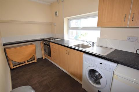 Studio to rent - Mill Street, Macclesfield