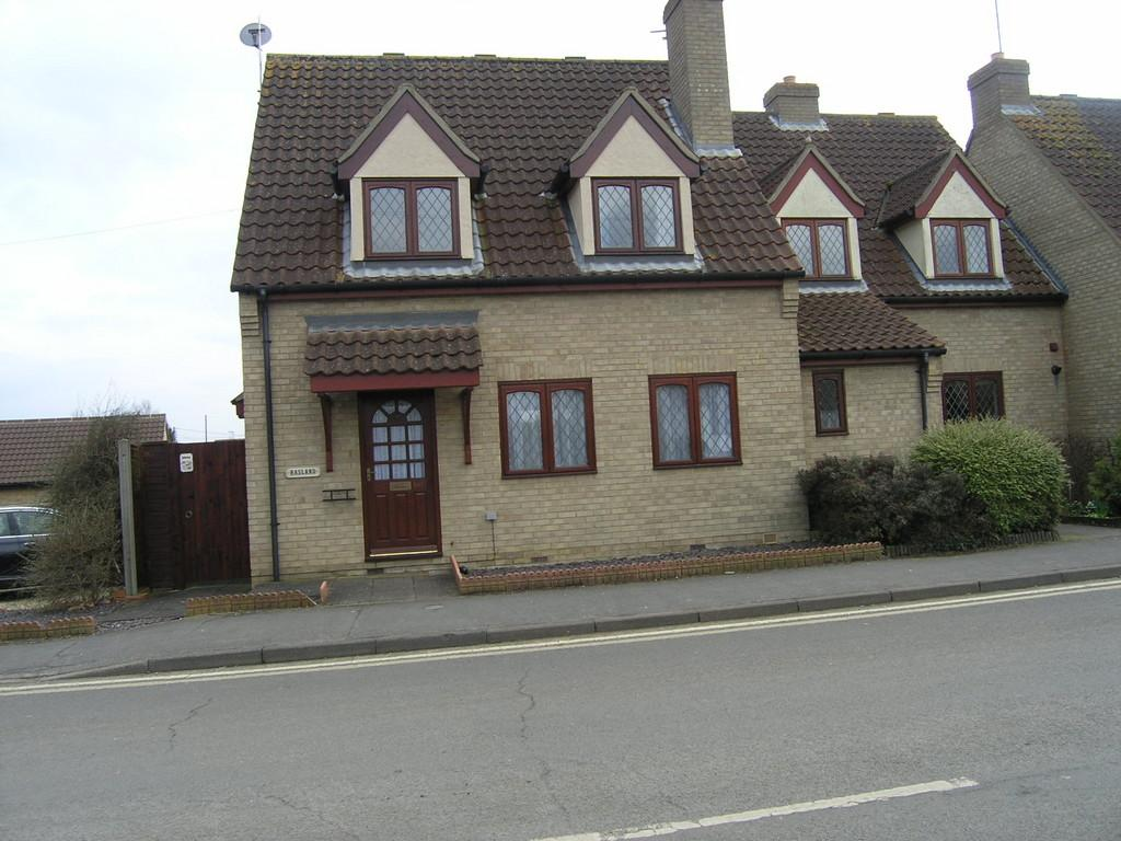 3 Bedrooms End Of Terrace House for rent in Station Road, Littleport, Ely