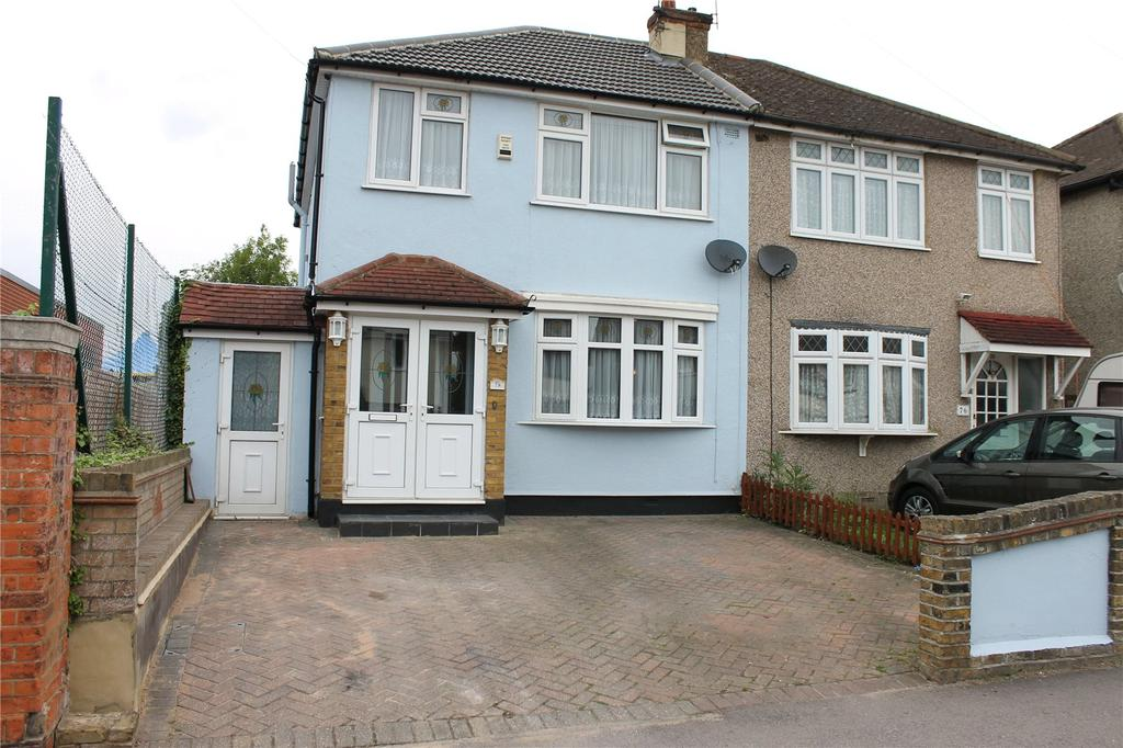3 Bedrooms Semi Detached House for sale in Church Road, Harold Wood, Romford, RM3