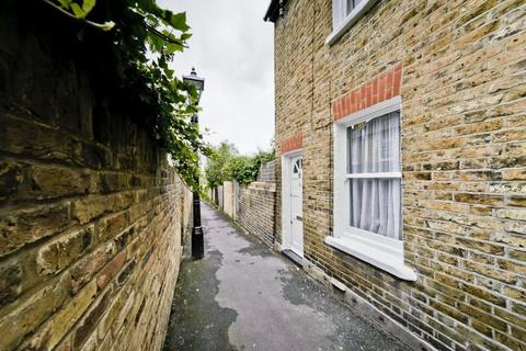 1 bedroom cottage to rent - Albany Passage, Richmond, TW10